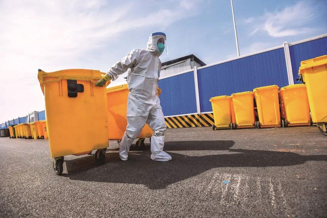 660升大型户外环保垃圾箱厂家直销